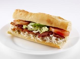 1 stk. sandvich grov eller alm. med skinkesalat kr. 40.00
